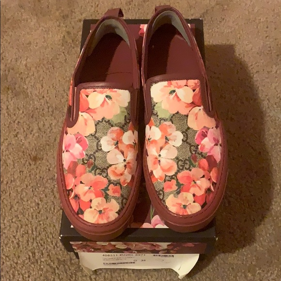 Gucci Shoes - GUCCI Flowered Shoes Size 38 Pre-owned big for me.